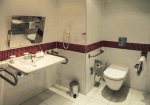 Ράμπες, τουαλέτες ΑΜΕΑ και σύστημα πυρασφάλειας σε όλα τα σχολεία