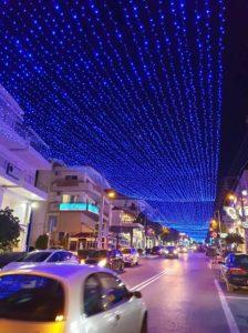 Ολοκληρώθηκε ο Χριστουγεννιάτικος στολισμός της πόλης